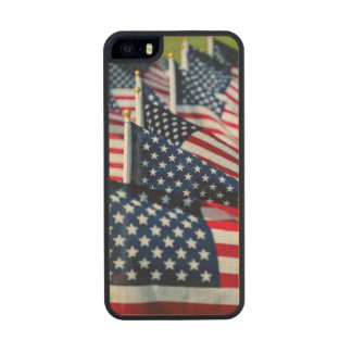 400 flags waving proudly in a field wood iPhone SE/5/5s case