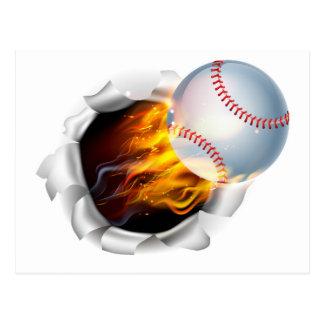 Boule flamboyante de base-ball déchirant un trou carte postale