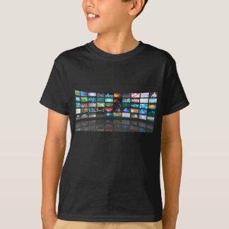 Concept de technologie de production de télévision tee shirt