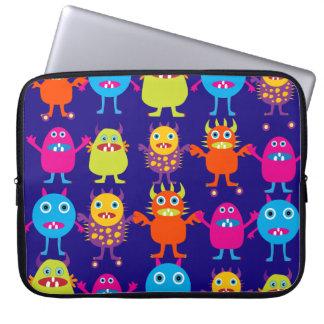 Créatures mignonnes de partie drôle de monstre sur trousses pour ordinateur portable