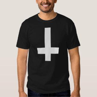 Croix à l'envers tee-shirts