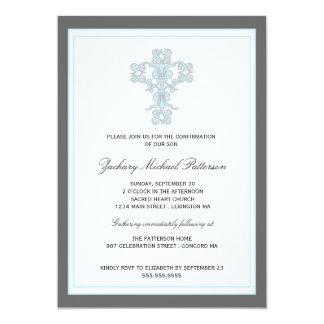 Croix élégante dans l'invitation bleue de carton d'invitation  12,7 cm x 17,78 cm