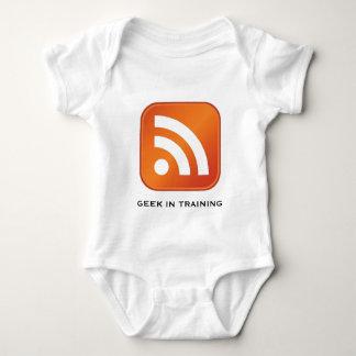 Geek de RSS dans le nourrisson de formation Tshirts
