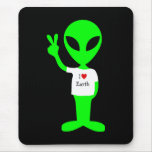"""Green """"I Love Earth"""" Alien Mouse Pad"""