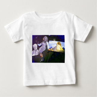 holographic image projected from the time machine tee shirt