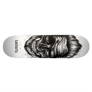 LeoArtSkull skateboard
