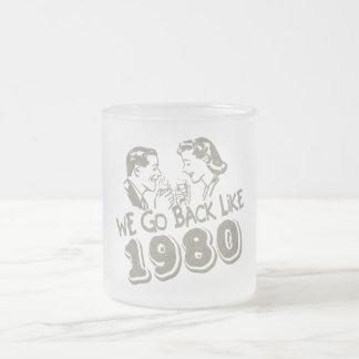 Nous retournons comme le verre 1980-Small givré Mug En Verre Givré