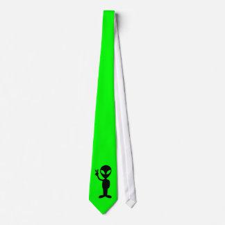 Petit homme vert cravate