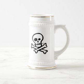 Simple B&W Skull & Crossbones 18 Oz Beer Stein