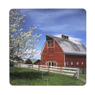 USA, Washington, Ellensburg, Barn Puzzle Coaster